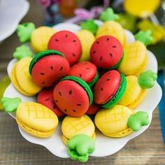 Fabulously cute pineapple and watermelon themed macarons. - Click the link to see the newly released collections for amazing beach bikinis! Delicious Desserts, Dessert Recipes, Yummy Food, Cookie Recipes, Macaroon Recipes, Cute Baking, Macaron Cookies, Fruit Cookies, Fruit Party