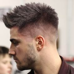 These top haircuts for men are the most flattering classic cuts and some of the latest trends. Whether it's for short or longer hair, fine or thick, all of these men's hairstyles look good and Faux Hawk Hairstyles, Hairstyles Haircuts, Cool Hairstyles, Man Haircut 2017, Quiff Haircut, Top Haircuts For Men, Popular Short Haircuts, High Skin Fade, Homemade Hair Dye