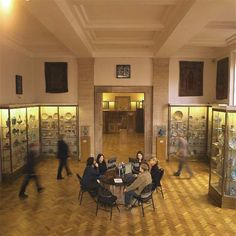 """See 327 photos from 3043 visitors about civilisation, incredible collection, and café. """"Free museum in Cambridge. Locket to put your large bags away. Free Museums, Museum Displays, Islamic Art, Antiques, Antiquities, Antique, Old Stuff"""