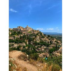 Lavender and Storybook Towns : Summer in Provence