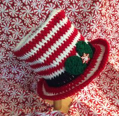 Candy cane top hat, baby photo prop hat, baby's first Christmas, Christmas Eve hat,  top hat,holly, snowflake, hand crochet, Christmas hat,