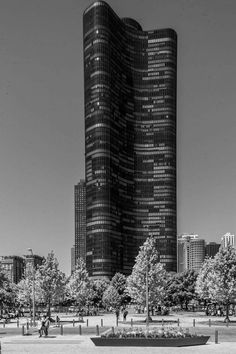 Lake Point Tower 50 years young   photo credit Lee Bey