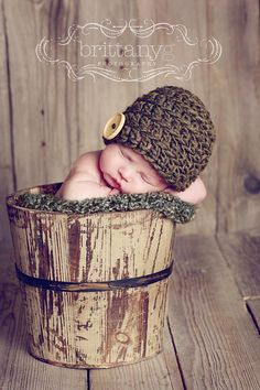 i have no idea where to find a basket like this but also super cute@Chelsea Russell