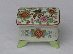 Przepiękne (łowca: studiolepianka), do kupienia w DecoBazaar.com Vintage Style, Vintage Fashion, Decorative Boxes, Home Decor, Decoration Home, Fashion Vintage, Room Decor, Interior Design, Home Interiors