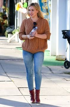 hilary-duff-in-tight-jeans-out-and-about-in-sherman-oaks_4.jpg (800×1214)