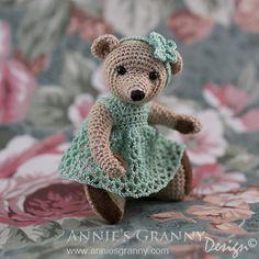 Crochet Teddy Bear by Annie's Granny - Pattern by Berta Hesen Minten from ThReAdTeDs