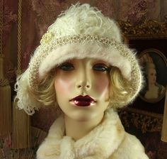 """""""SPECIAL ORDER FOR LIZA"""" 1920S VINTAGE CREAM FLOWER FEATHER CLOCHE FLAPPER HAT"""