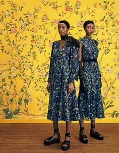 Eclectic Decor, Eclectic Style, Houghton Hall, Hand Painted Wallpaper, Sleek Hairstyles, Erdem, Decorating Tips, Collaboration, Gowns