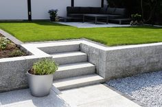 Landscape Stairs, Lawn And Landscape, Landscape Design, Landscaping Retaining Walls, Backyard Landscaping, Retaining Wall Patio, Back Gardens, Outdoor Gardens, Back Garden Design