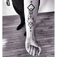 ✖️nice✖️ - not my photograph. if you know the artist/owner please tell me so I can credit them #blackwork #linework #tattoo #art #bodyart #badass #pale #grunge #forearmtattoo #blackandwhite #geometry #geometric #geometrictattoo #shapes #beautiful #fist #picoftheday #photooftheday