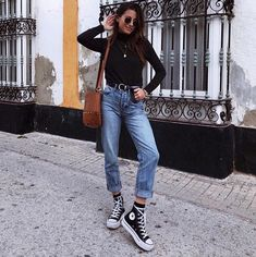 20 Fashionable Travel Winter Outfits Ideas Source by lillyawa Sporty Outfits fashionable ideas lillyawa Outfits source Travel Winter High Top Converse Outfits, Sporty Outfits, Cute Casual Outfits, Chucks Outfit, Casual Attire, Converse Haute, Mode Converse, Converse Fashion, Converse Style