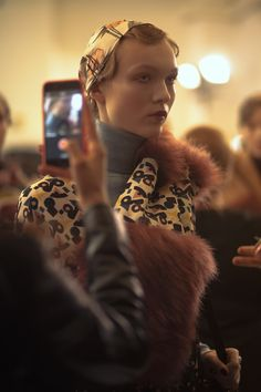 I'm Isola Marras Fall Winter 2016 Backstage  'Is love perhaps everything for me? Everything, just in another way. Love is life, the main thing. From love come verses and actions. Love is the heart of everything. If the heart stops its work, everything else dies, becomes superfluous, without purpose. But while it works it cannot manifest itself in everything.' says the verse of one of Vladimir Majakovskij's letters to Lilija Brik. #‎isolamarras #‎fw16 #‎mfw ph. Andrea Baioni…