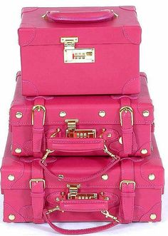 Hot pink and gold luggage. So pretty. Hot Pink, Pink Love, Pretty In Pink, Pink And Green, Pink Purple, Color Rosa, Pink Color, Vintage Pink, Pink Luggage