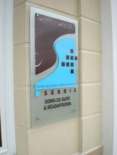 Plaque mural le verre securit