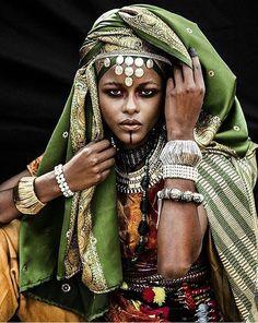 afrikanischer stil Imazighen by Mehdi Sefrioui Afro Punk, African Tribes, African Women, African Beauty, African Fashion, Strong Female, Afrika Festival, Black Is Beautiful, African Prints