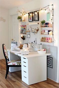 Inspiring Sewing Room Ideas for Small Spaces sew einfach clothes crafts for beginners ideas projects room Sewing Desk, Sewing Room Storage, Sewing Room Organization, Craft Room Storage, Diy Storage, Sewing Tables, Sewing Room Design, Sewing Room Decor, Craft Room Design