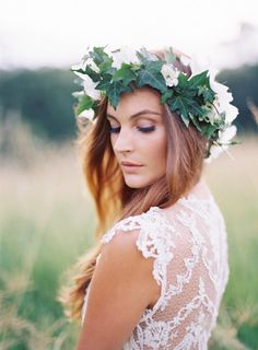 Brides: An Ivy Flower Crown with White Blooms. A deep green ivy leaf flower crown by Intique & Co. gives this bohemian bride a Grecian-inspired look. Flower Crown Bride, Floral Crown Wedding, Flower Crown Hairstyle, Bride Flowers, Wedding Hair Flowers, Flowers In Hair, Flower Crowns, Wedding Dress, Flower Tiara