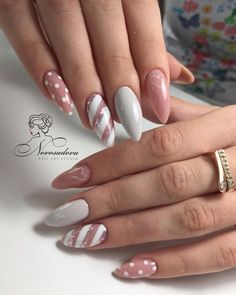 ♚♛нσυѕтσиqυєєивяι♛♚ nail designs designs for short nails step by step essie nail stickers nail appliques full nail stickers Pink Nail Art, Nail Art Diy, Pink Nails, Chrostmas Nails, Pink Art, Gel Nail Art, Nail Nail, Xmas Nails, Holiday Nails