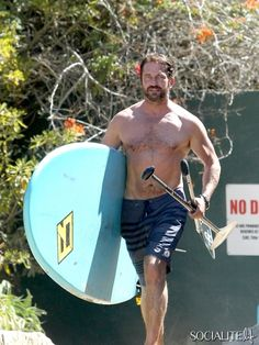 Shirtless Gerard Butler Hangs Out On The Beach In Malibu
