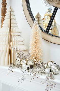 Need Christmas decorating ideas and inspiration? This is your go-to place for all things Christmas this year! of beautiful ideas! Magical Christmas, Outdoor Christmas, Simple Christmas, All Things Christmas, Christmas Home, White Christmas, Christmas Ideas, Thanksgiving Ideas, Holiday Ideas