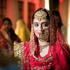 Confused with the statement bridal nath for your bridal look? Think no more as you can without any doubt include this one in your bridal look. Indian Bridal Outfits, Indian Bridal Fashion, Indian Wedding Jewelry, Bridal Jewelry, Silver Jewelry, Silver Earrings, Silver Ring, Tikka Jewelry, Rajasthani Bride