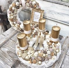 Wonderful Golden and White Christmas Candle Basket Decoration. Christmas Advent Wreath, Christmas Candle Decorations, Advent Candles, Christmas Mood, Noel Christmas, Christmas Candles, Advent Wreaths, Nordic Christmas, Modern Christmas