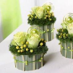 Small Flower Arrangements, Vase Arrangements, Small Flowers, Flower Vases, Dried Flowers, Deco Floral, Floral Foam, Green Centerpieces, Floral Cupcakes