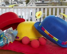 Under the Big Top Tent – it's a carnival for your favorite clown! Colorful felt bowler clown hat festooned with a daisy, red clown foam nose, and a pinwheel will make the circus goers giggle under the big top. Carnival Party Favors, Carnival Decorations, Circus Carnival Party, Circus Theme Party, Carnival Birthday Parties, Carnival Themes, Circus Birthday, Birthday Party Themes, Birthday Ideas