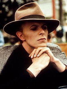 1975 End Scene - David Bowie Photos