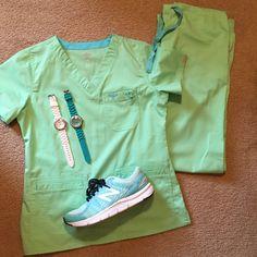 Green scrubs Scrubs Outfit, Scrubs Uniform, Cute Nursing Scrubs, Life Goals Future, Vet Assistant, Green Scrubs, Medical Laboratory Science, Education And Development, New Nurse