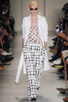 Vitorino Campos São Paulo Spring 2015 Fashion Show Spring 2015 Fashion, Spring Summer 2015, Fashion Show, Fashion Outfits, Womens Fashion, Fashion Design, Classic Chic, How To Wear, Clothes