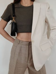 clothes for women,casual outfits,base layer clothing,casual outfits Look Blazer, Fashion Outfits, Womens Fashion, Fashion Trends, Fashion Fashion, Travel Outfits, Classy Fashion, High Fashion, Mode Inspiration