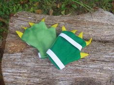 Paws and Claws Monster/Dragon/Dinosaur by LeAndrasLoveables, $5.00