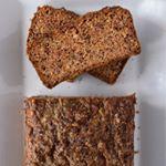 ¿Puede un #bizcocho ser fitness y saludable? Sí, si no tiene azúcar y está hecho con zanahoria, avellana y almendra. . #directoalpaladar #receta #recipe #gastro #foodie #comida #foodlover #cooking Creme, Banana Bread, Ser Fitness, Desserts, Food, Bread Crumbs, Desert Recipes, Cooking, Dessert