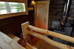 Печи для бани на дровах с баком: 60+ максимально функциональных и продуманных реализаций http://happymodern.ru/pechi-dlya-bani-na-drovax-s-bakom/ Уютная парилка металлической печью и небольшим окном