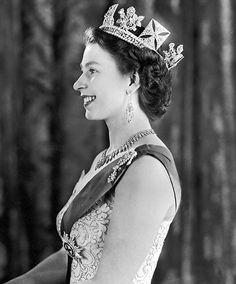 queen elizabeth ii young | ... the land Queen Elizabeth II once ruled no longer exists | Mail Online