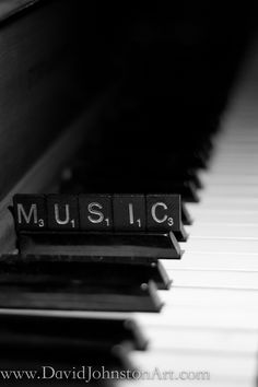This has my two favorite things- music and words!!! Adoring it! ❤️