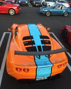 #supercarsunday #losangeles #california #carsandcoffee #lotus #gulflivery #porsche911 #porsche #classicsofinstagram #classiceuropean #classiccar #carsofinstagram #ferrari