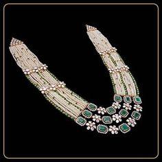 Indian Jewelry Earrings, Indian Jewelry Sets, Jewelry Design Earrings, Mom Jewelry, Bridal Jewelry, Emerald Jewelry, Bead Jewellery, Diamond Jewelry, Jewelery
