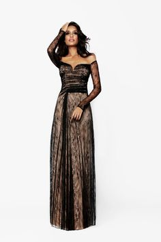 Lisa Haydon for Armaan by Sunaina Puri Winter Collection. Lisa Haydon, Strapless Dress Formal, Formal Dresses, Photography Women, Bollywood, Cool Outfits, Fancy, Couture, Collection