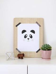 Lámina imprimible de oso panda // Nalle's House: Free Printable Panda Art and the Easiest Way to Frame Art