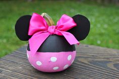 Minnie Mouse Pumpkin Halloween Decoration One Sunday Morning : diy