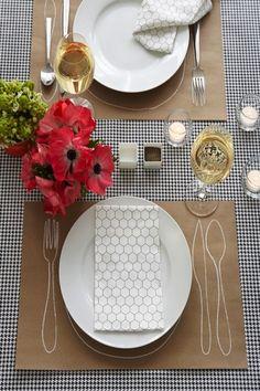 Simple & elegant table setting
