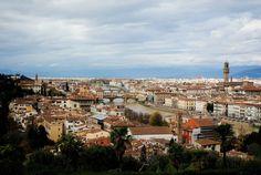 Florencia, Italia Fotografía: Alejandra Posadas Padilla  Topografía: (superficie de la Tierra) es un elemento que condiciona el asentamiento, muchas veces los asentamientos se encuentran cerca de ríos.