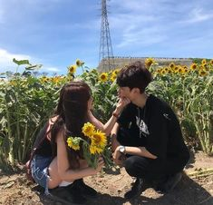 Likes, 5 Comments - Ulzzang Funny Couple Poses, Funny Couple Pictures, Couple Picture Poses, Photo Couple, Funny Couples, Cute Couples Goals, Couple Posing, Couple Photos, Funny Girls