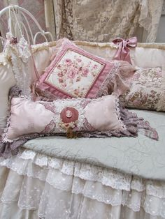 Lovely #shabby #daybed.  Very pretty #cushions