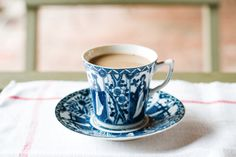 Blue and white cup and saucer. Coffee Time, Tea Time, Coffee Cups, Tea Cups, Coffee Coffee, Folgers Coffee, Coffee Break, Morning Coffee, Francoise Arnoul