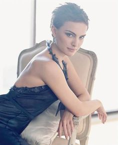 Very Short Pixie Hairstyles | pixie hairstyle for thin hair natural wisps hairstyles for thin fine ...   Natalie Portman again.  Unbelievable!!