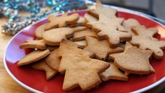 paleo gingerbread cookies- YES! FINALLY, A RECIPE THAT I CAN USE FOR STOMACH FLU TOO! ;)