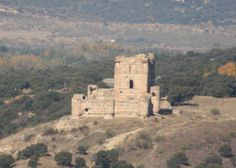 Os invitamos a pasear por el castillo de Aulencia o de Villafranca. #historia #turismo  http://www.rutasconhistoria.es/loc/castillo-de-villafranca